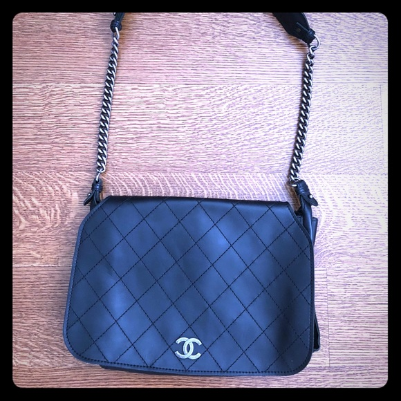 7b425d03e7ee CHANEL Handbags - Chanel Paris-Edinburgh Large Highlander Messenger